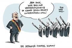 Bundesinnenminister Seehofer sagt BKA und Verfassungsschutz Unterstützung zu: Mehr Personal für Kampf gegen rechts